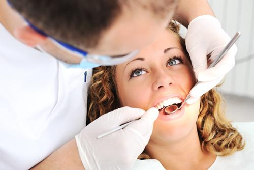 Chảy máu chân răng vào buổi sáng nguyên nhân do đâu? 3