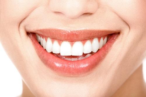 Bọc răng toàn sứ bao nhiêu tiền? Có phụ thuộc yếu tố nào không-1