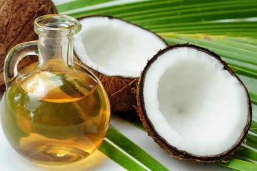 Tẩy trắng răng bằng dầu dừa hiệu quả bất ngờ 1
