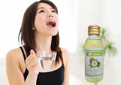 Tẩy trắng răng bằng dầu dừa hiệu quả bất ngờ 3