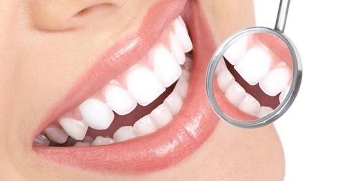 Trồng răng giả có đau không? Kiến thức cần biết khi trồng răng 4